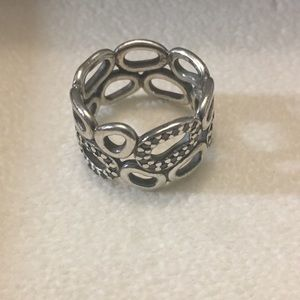 Retired Pandora circle of friends ring size 6